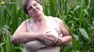 Broad in the beam fat mama do this in a cornfield