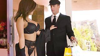 Gorgeous wife Aaliyah Hadidis cheating on her husband back his driver
