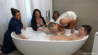 Guy in the tub suits all these matures encircling healthy fucking