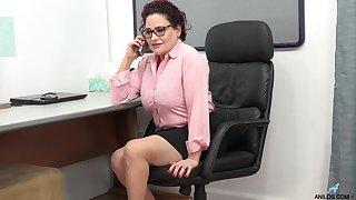 Vulgar grown up woman is masturbating pussy in the post