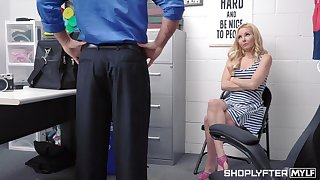 Pretty yellowish milf Aaliyah Love is punished for shoplifting