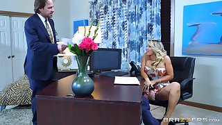 Sexy secretary shows her boss the proper orgasms