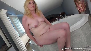Homemade solo mistiness of a small boobs blondie fingering their way cunt