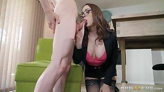 Prex sexy Big-shot trull Chanel Preston fucks young intern germane in the office